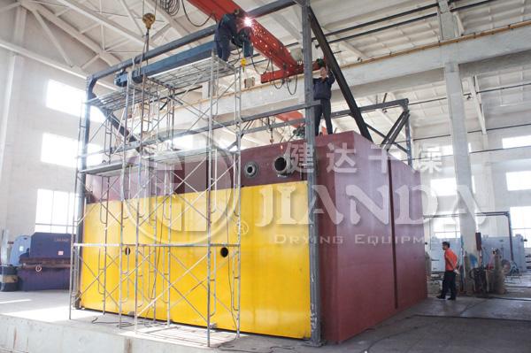 国内首批美标大型烘箱生产中